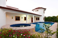 ฺBeautiful house with swimming Pool