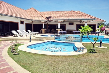 Large house for rent in Hua Hin